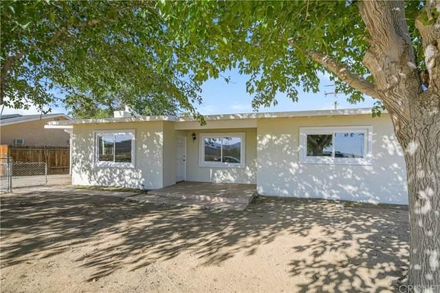 9449 Spruce Court, Hesperia, CA 92345 (#SR21229457) :: Latrice Deluna Homes