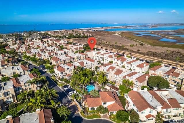19245 Seabrook Lane, Huntington Beach, CA 92648 (#OC21229231) :: Mark Nazzal Real Estate Group