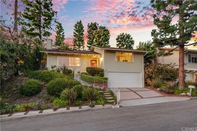 2217 Via Alamitos, Palos Verdes Estates, CA 90274 (#PV21229807) :: Millman Team