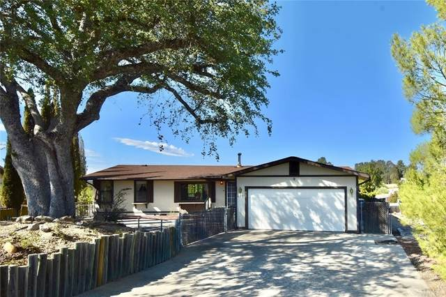 4671 Blue Lupine Lane, Paso Robles, CA 93446 (#NS21227007) :: Z REALTY