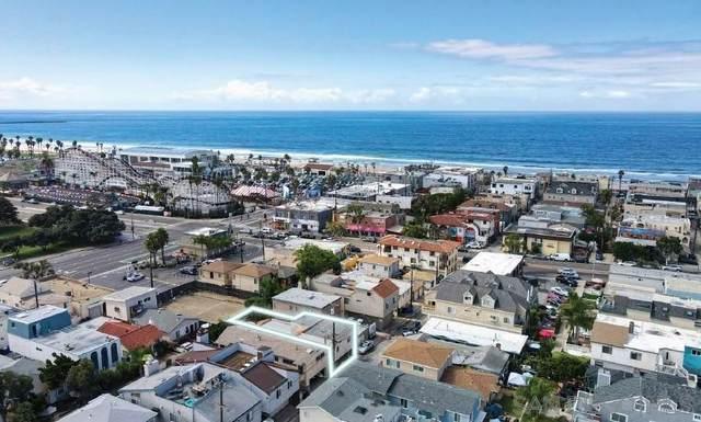 828 830 Island Court, San Diego, CA 92109 (#210029142) :: Blake Cory Home Selling Team