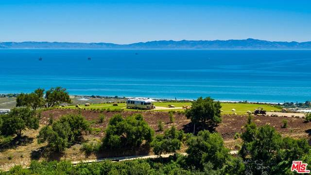 1820 Santa Monica Road, Carpinteria, CA 93013 (#21796338) :: Necol Realty Group