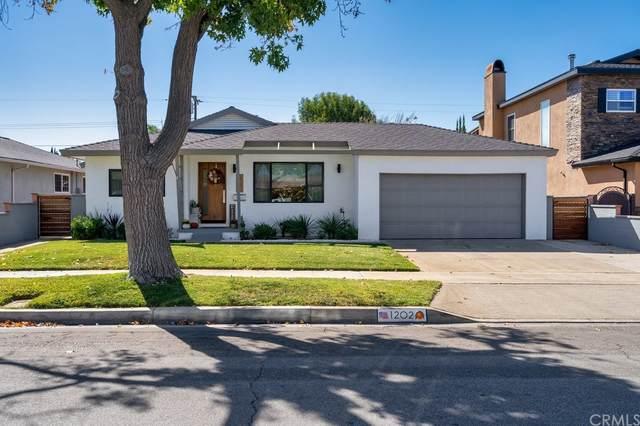 1202 E Mayfair Avenue, Orange, CA 92867 (#PW21230477) :: Compass