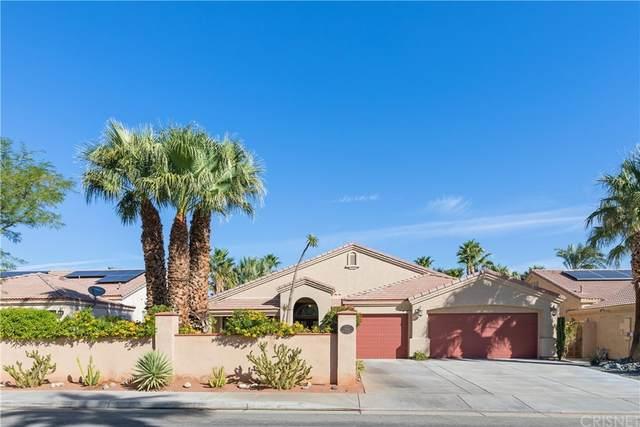1104 E Circulo San Sorrento Road, Palm Springs, CA 92262 (#SR21230337) :: Compass
