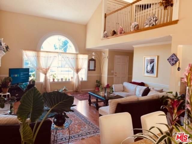 1657 E Ryan Lane, Fresno, CA 93720 (#21796610) :: RE/MAX Empire Properties