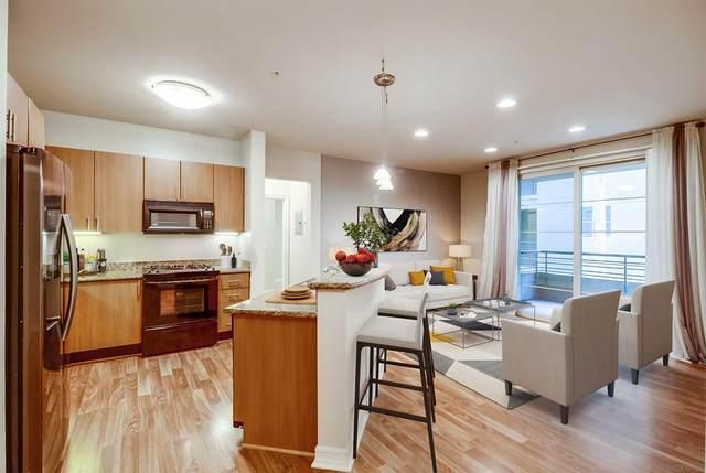 1480 Broadway #2427, San Diego, CA 92101 (#210029324) :: Latrice Deluna Homes