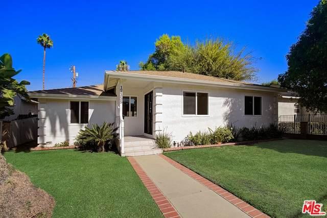 17355 Burbank Boulevard, Encino, CA 91316 (#21797180) :: Compass