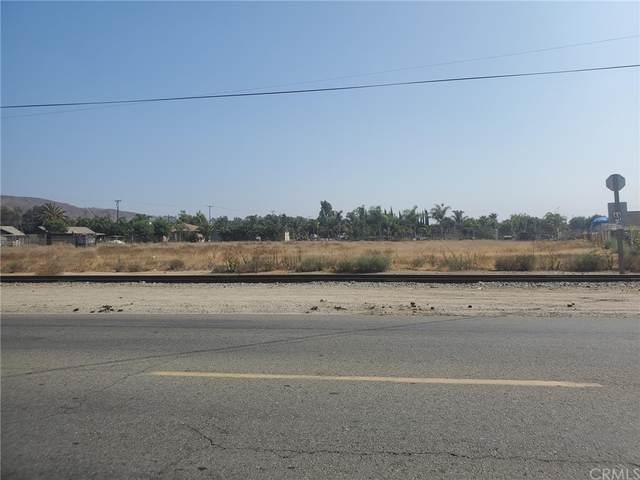 8804 Jurupa Road, Jurupa Valley, CA 92509 (#CV21232965) :: Blake Cory Home Selling Team