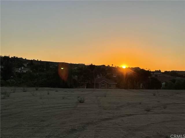 7380 Corinthian Way, Riverside, CA 92506 (#IV21233334) :: A G Amaya Group Real Estate