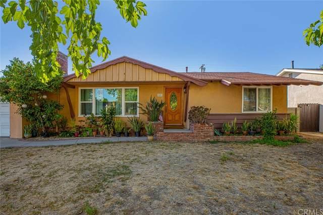 8401 Remmet Avenue, Canoga Park, CA 91304 (#BB21228648) :: Compass