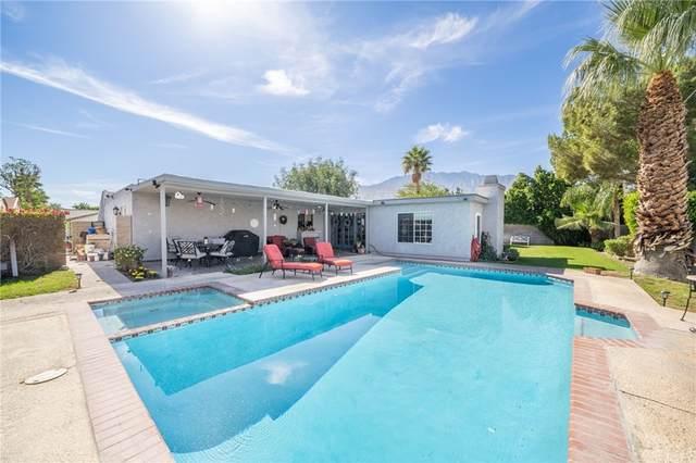 2210 E Powell Road, Palm Springs, CA 92262 (#SW21234015) :: Compass