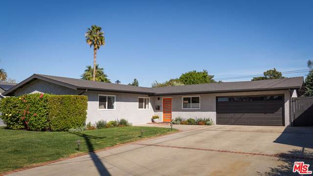 7516 Moorcroft Avenue, Canoga Park, CA 91303 (#21797420) :: Compass