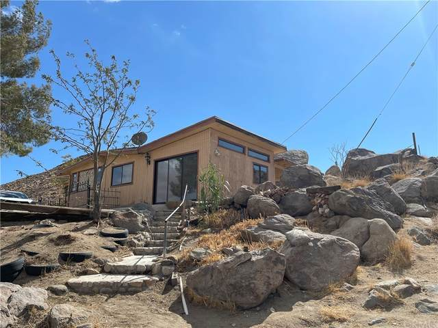 2222 Wamego, Yucca Valley, CA 92284 (MLS #JT21234371) :: Desert Area Homes For Sale