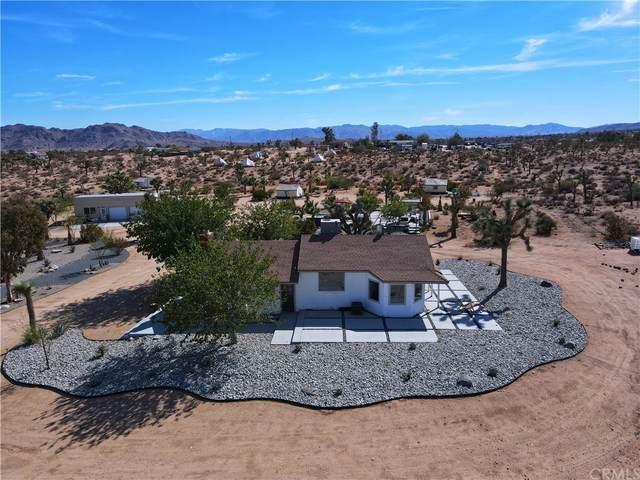 59427 La Crescenta Drive, Yucca Valley, CA 92284 (MLS #JT21234077) :: Desert Area Homes For Sale