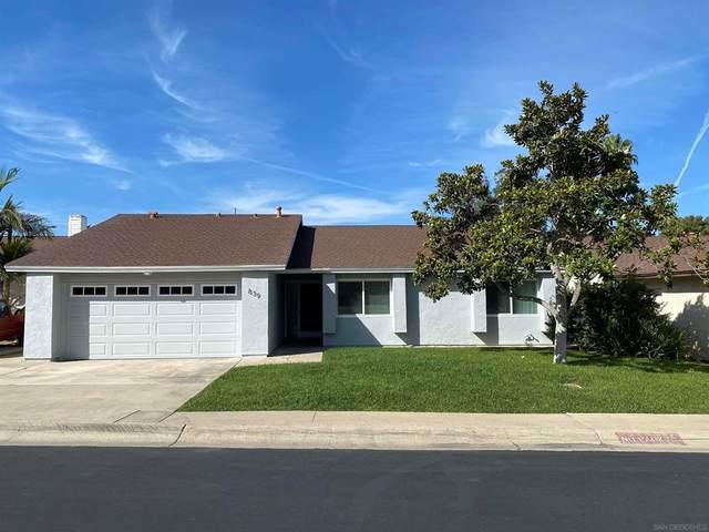 839 Willow Tree Ln, Fallbrook, CA 92028 (#210029684) :: Robyn Icenhower & Associates