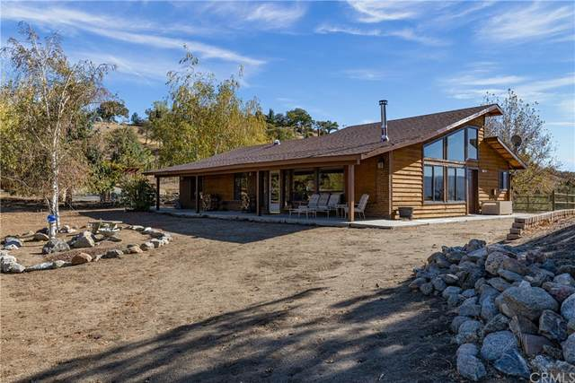 26524 Oakflat Drive, Tehachapi, CA 93561 (#PI21235424) :: Steele Canyon Realty
