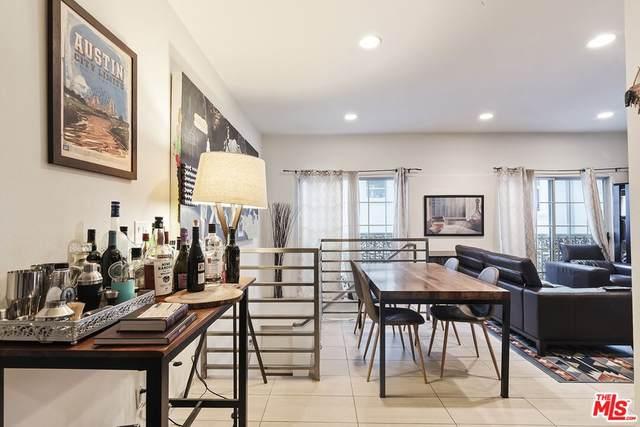 1717 Malcolm Avenue #303, Los Angeles (City), CA 90024 (#21799250) :: Rogers Realty Group/Berkshire Hathaway HomeServices California Properties