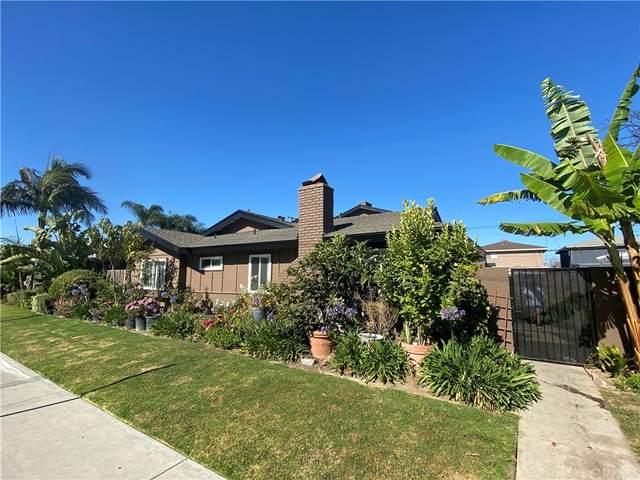 17122 Emerald Lane, Huntington Beach, CA 92647 (#CV21236498) :: Compass