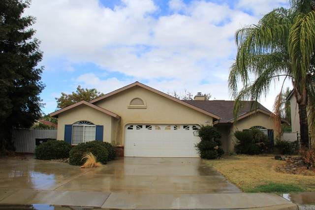 1049 E Ramblewood Drive, Dinuba, CA 93618 (#PTP2107492) :: Zutila, Inc.