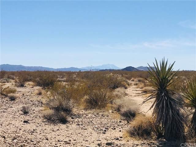 24 Saturn Road, Joshua Tree, CA 92252 (#JT21056115) :: Robyn Icenhower & Associates