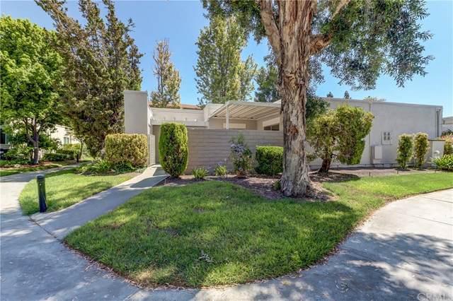 2372 Via Mariposa W C, Laguna Woods, CA 92637 (#OC21157032) :: Mark Nazzal Real Estate Group