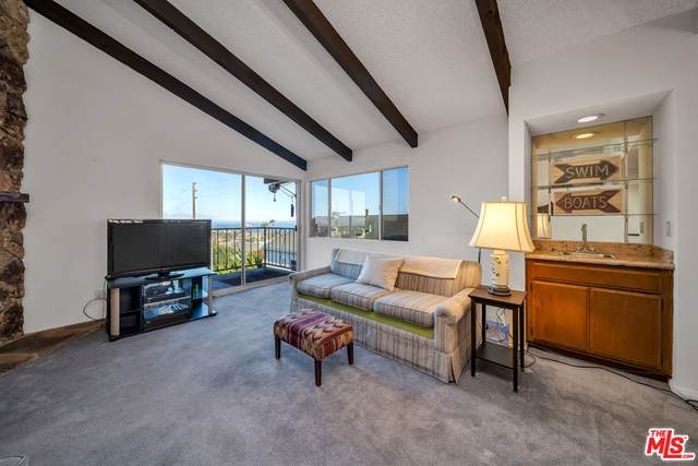2435 S Gaffey Street, San Pedro, CA 90731 (#21763494) :: Jett Real Estate Group