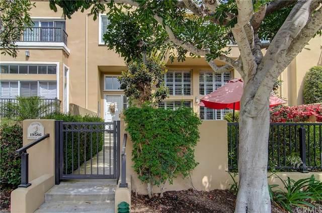 19586 Oakdale Lane, Huntington Beach, CA 92648 (#OC21160336) :: Hart Coastal Group