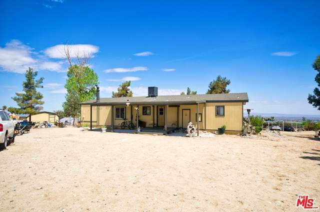 1474 Sage Road, Pinon Hills, CA 92372 (#21764212) :: Robyn Icenhower & Associates