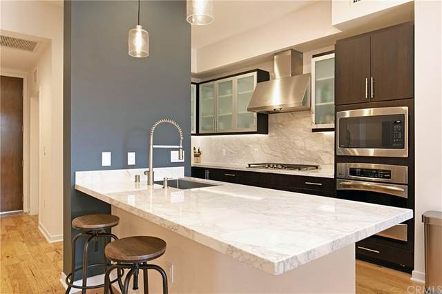 21 Gramercy #213, Irvine, CA 92612 (#OC21163278) :: RE/MAX Empire Properties