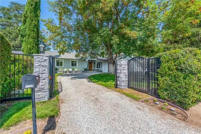 3237 Lincoln Avenue, Altadena, CA 91001 (#EV21163212) :: Eight Luxe Homes
