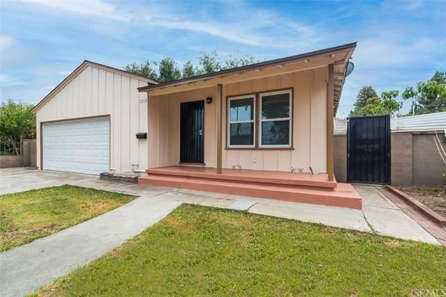 1218 W Walnut Street, Santa Ana, CA 92703 (#OC21164441) :: Team Tami