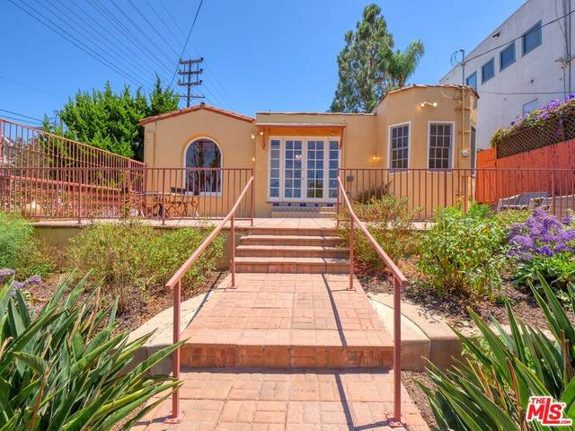 2945 Manning Avenue, Los Angeles (City), CA 90064 (#21766736) :: Jett Real Estate Group