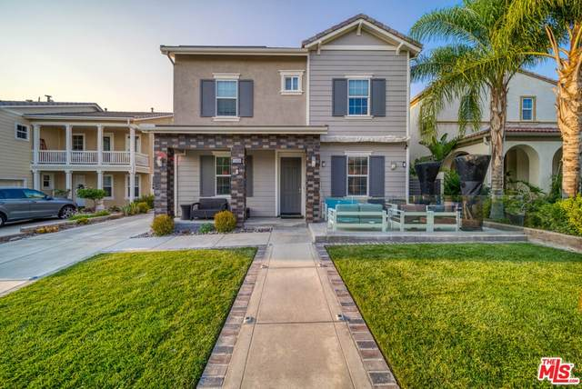 15929 Thompson Ranch Drive, Canyon Country, CA 91387 (#21773138) :: Steele Canyon Realty