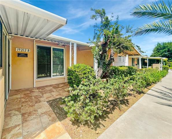 19212 Avenue Of The Oaks B, Newhall, CA 91321 (#SW21191402) :: Necol Realty Group