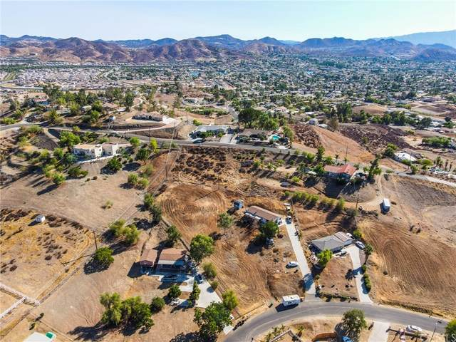 29170 Avenida De Las Flores, Canyon Lake, CA 92587 (#SW21191506) :: Necol Realty Group