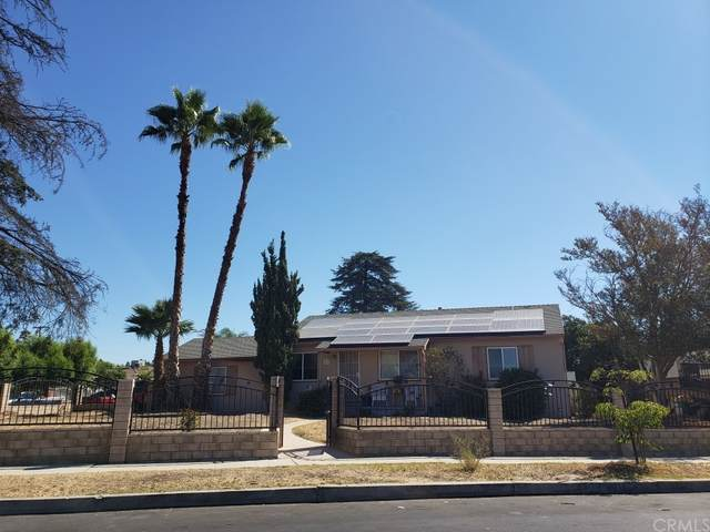 8914 Wakefield Avenue, Panorama City, CA 91402 (#TR21193933) :: Wendy Rich-Soto and Associates