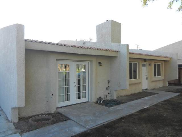 31470 Whispering Palms Trail, Cathedral City, CA 92234 (#219067383DA) :: Corcoran Global Living