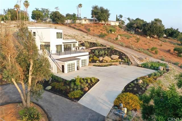 901 Luna Vista Drive, Escondido, CA 92025 (#SW21206029) :: Corcoran Global Living