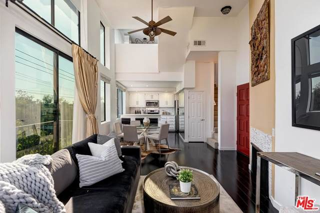 869 S Wooster Street #309, Los Angeles (City), CA 90035 (#21787736) :: The Laffins Real Estate Team