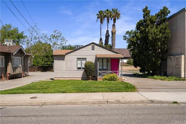 3743 Arlington Avenue, Riverside, CA 92506 (#IV21202241) :: COMPASS