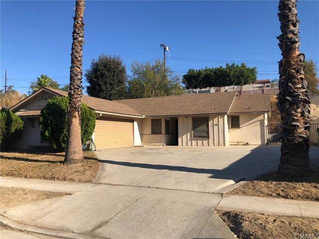 11850 Garber Street, Lakeview Terrace, CA 91342 (#PW21221220) :: Robyn Icenhower & Associates