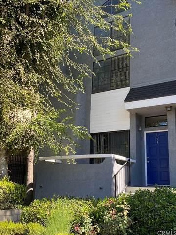4220 Colfax Avenue #111, Studio City, CA 91604 (#IV21227204) :: The M&M Team Realty