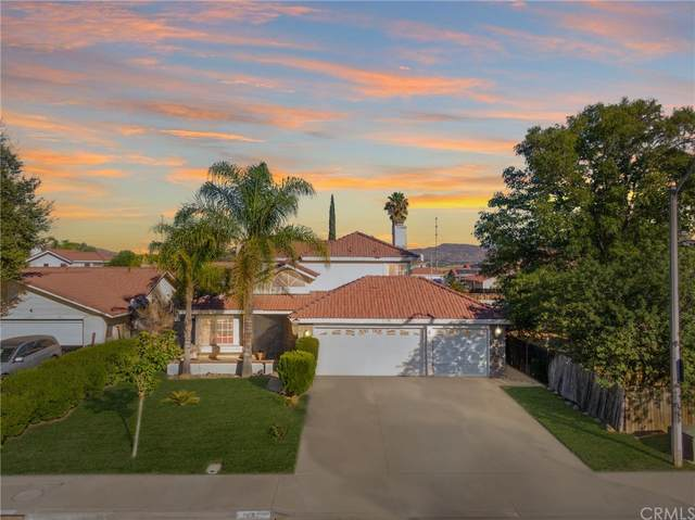 1441 Shady Oaks Dr Drive, Perris, CA 92571 (#IV21224396) :: A G Amaya Group Real Estate