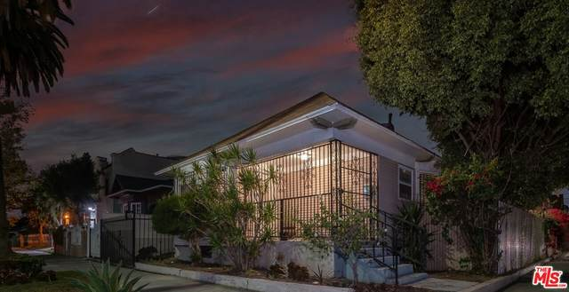 1803 W 36Th Place, Los Angeles (City), CA 90018 (#21785800) :: Zutila, Inc.