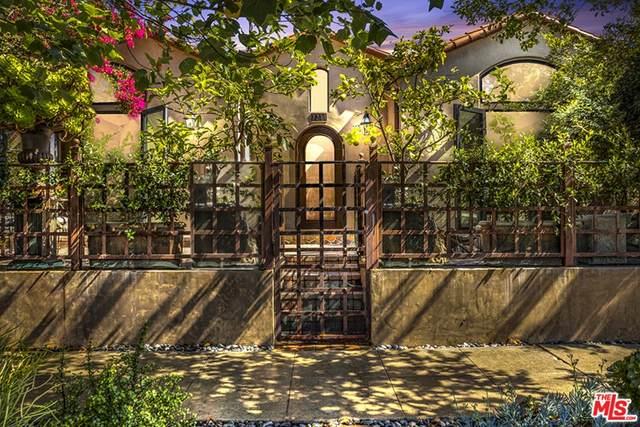 7211 Oakwood Avenue, Los Angeles (City), CA 90036 (#21755842) :: Holmes Muirhead Team at Reviron Realty