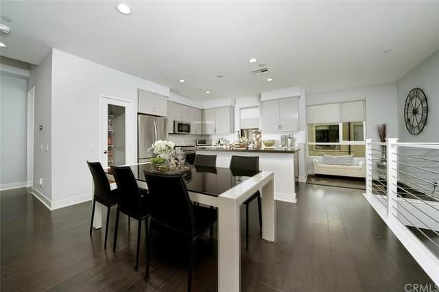118 S Avenue 50 #202, Highland Park, CA 90042 (#PW21196622) :: Dave Shorter Real Estate