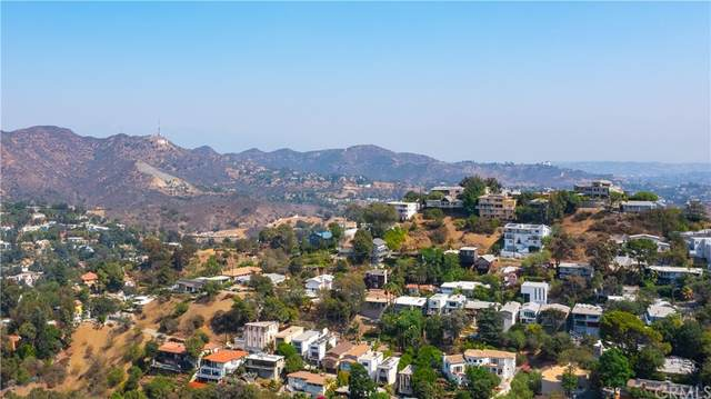 7342 Pacific View Dr, Los Angeles (City), CA 90068 (#DW21204168) :: TeamRobinson | RE/MAX One