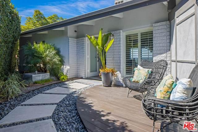 3415 Ione Drive, Los Angeles (City), CA 90068 (#21785268) :: Millman Team