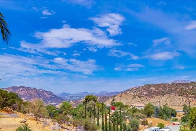 1061 Midway Drive, Alpine, CA 91901 (#PTP2106173) :: Corcoran Global Living