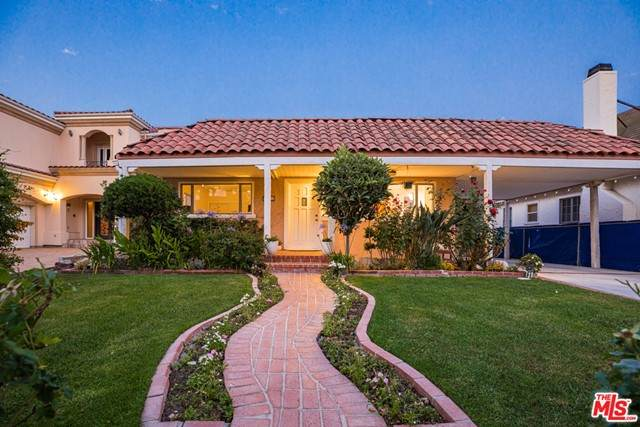 124 N Le Doux Road, Beverly Hills, CA 90211 (#21750770) :: Team Tami